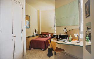 ¿Residencia universitaria o piso compartido?